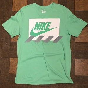 Nike Logo Tee Tech Fleece Jordan Retro XI AJ1 Mid